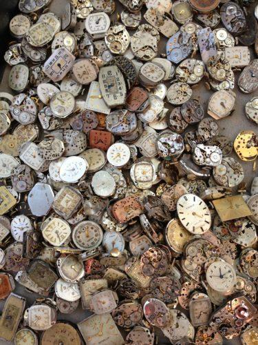 時計がたくさんの写真