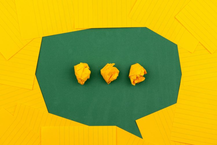 黄色い吹き出し